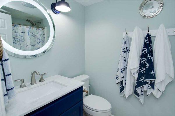 Susies Hideaway East - Bathroom