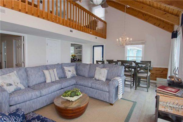 Susies Hideaway East - Living Room 2