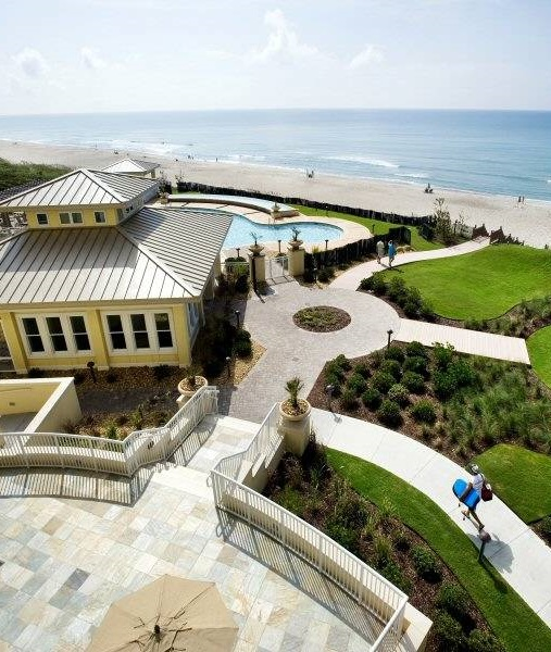 Grande Villas - Oceanfront Condo Rentals near Emerald Isle, NC with Pool