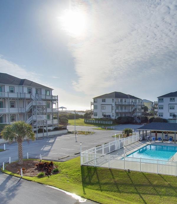 Pier Pointe and Pier Pointe West Condo Rentals in Emerald Isle, North Carolina