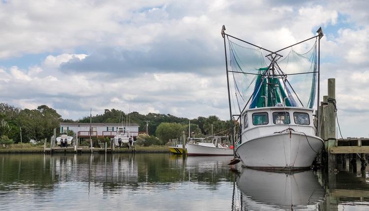 shrimp-trawler-harkers-island-nc